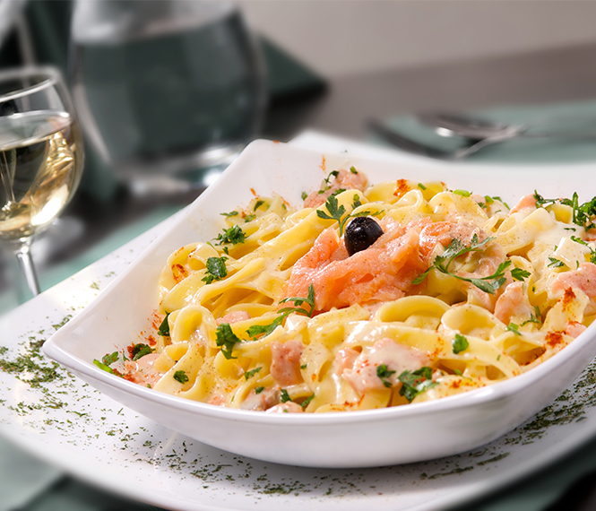 Salmon Fettuccine in Garlic Sauce