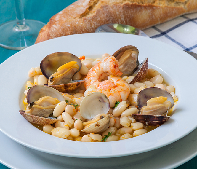 Clams and Beans Soup